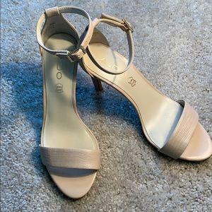 Aldo beige scrappy heels. Size 6.5
